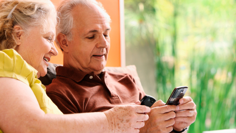 Spanish Mobile Phones for Elders
